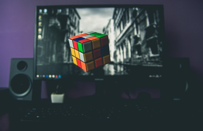 Rubik's: The Art Of Solving The Cube Of Rubik